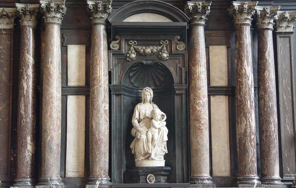 Бельгия-Мадонна Брюгге-скульптура-Микеланджело